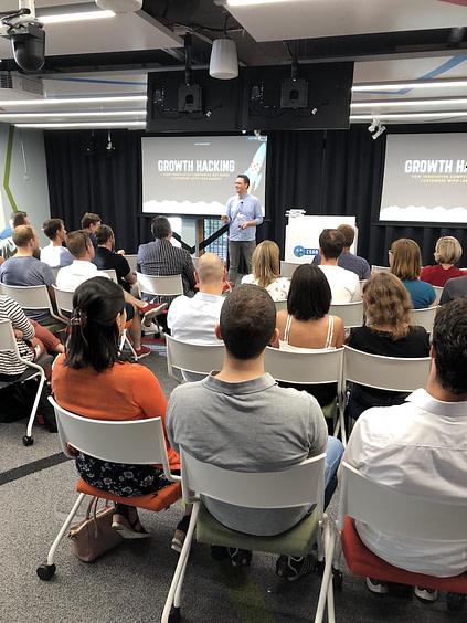 Tomas Herzberger - growth hacking seminar - stratos